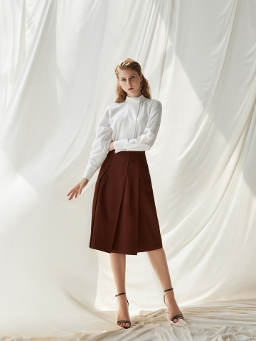 STAR PLEATED SKIRT